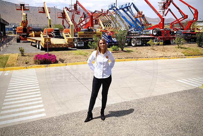 Carla Pérez participa de entrevista con Construart